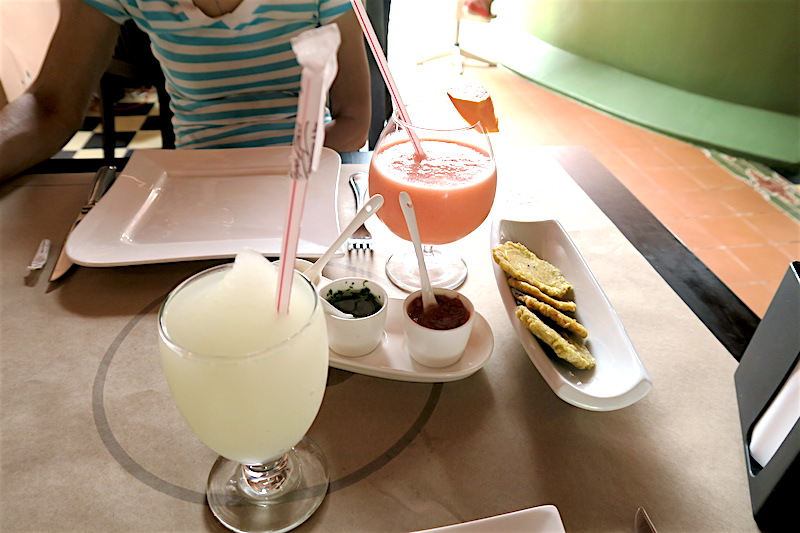 eating at pepe anca in cartagena, colombia ©hollydayz