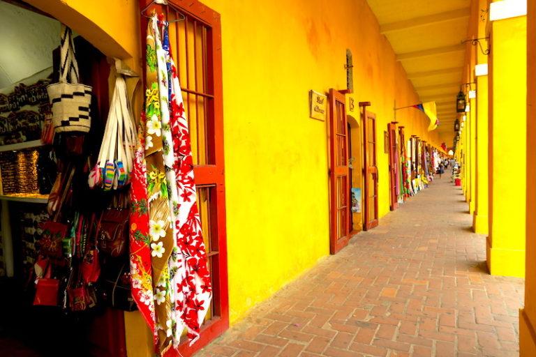 Exploring Colorful Cartagena, Colombia © HollyDayz