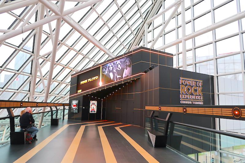 Rock-Roll-Hall-of-Fame cleveland ohio ©hollydayz