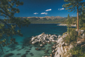 5 WEDDING VENUES IN LAKE TAHOE TO CONSIDER © HollyDayz