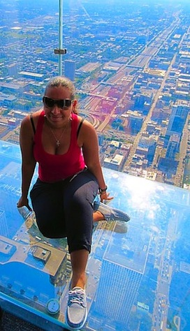 living life on the ledge skydeck chicago © HollyDayz