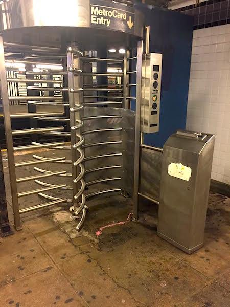 Navagating the nyc subway © HollyDayz