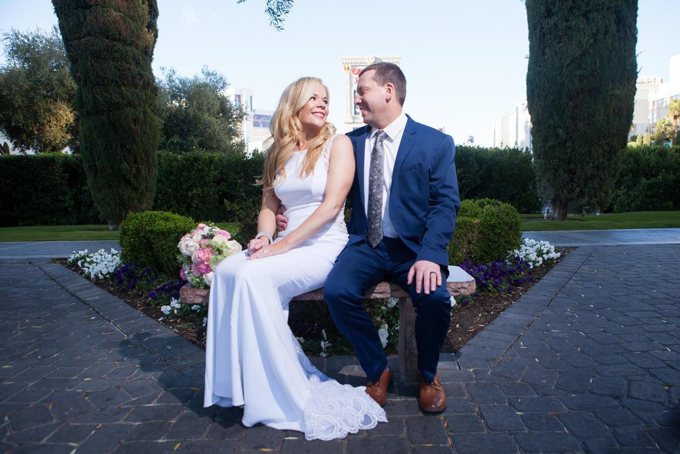 Wedding-Bells-at-Taco-Bell-Cantina-Las-Vegas © HollyDayz