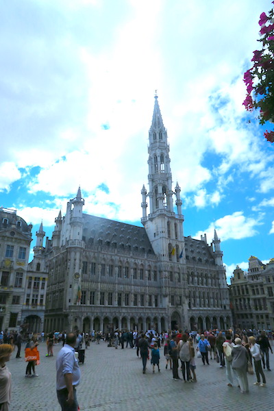 things to know before you go, brussels, belgium ©hollydayz
