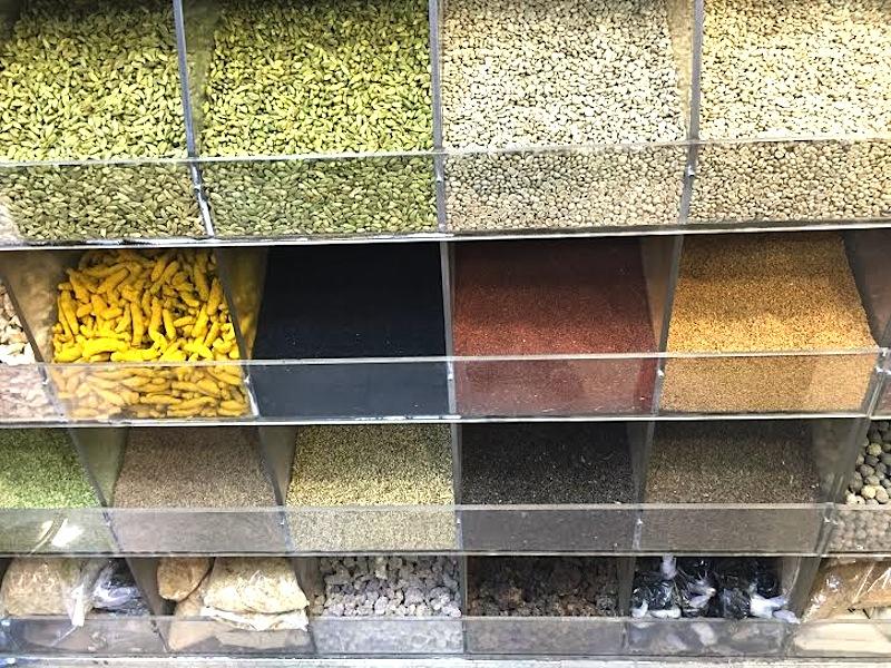 visiting the gold & spice souks dubai © hollydayz