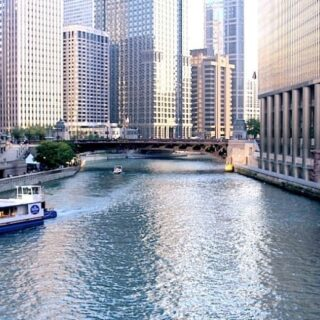 If you haven't seen my latest blog post check it out please...⁣ ⁣ 5 Family Fun Things To Do In Chicago, Illinois.⁣ Link in Bio ⁣ Chicago is a great city with so much to do and see. Even if you don't roll with the family this list has plenty to do solo dolo.⁣ ⁣ This is a pic of the Chicago River. Took a sunset tour that led to the lake.⁣ ⁣ #chicago #chicagoriver #wendella #wendellaboats #fbf #familytime #familyfun #travelmore #exploremore #lovetravel #goingplaces #sunsetcruise #chicagobucketlist #chicagogram