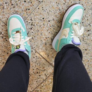 Decided to do a lil Sneaker Saturday.   I just unDSed (for my non sneaker folks that means this is the first time I've worn them) my Happy Pineapples Air Force 1s Green Glow.  The sneaker is constructed of PINATEX which is a byproduct of pineapples.   I have my eye on another Happy Pineapple sneaker.  #sneakersaturday #femalesneakerhead #airforce1 #greenglow #happypineapple #sneakerhead #lovesneakers #respectfemalesneakerheads #nycblogger #sneakeraddict #sneakercollection #nike #nikeairforce1 #justdoit