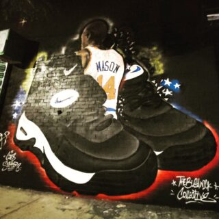 This Street Art Sunday is by @coessneakers  He did this mural of Anthony Mason and his sneakers. He played 13 years in the NBA.  #streetart #nationalsneakersday #anthonymason #brooklyn #nba #knicks #nyknicks #sneakers #nike #justdoit #streetmural #streetartsunday #nycgo #nyc #brooklynny #thebushwickcollective #kotd